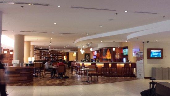 Miami Airport Marriott: lobby