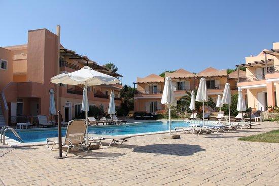 Avantis Suites Hotel : avantis studio hotel,Eretria