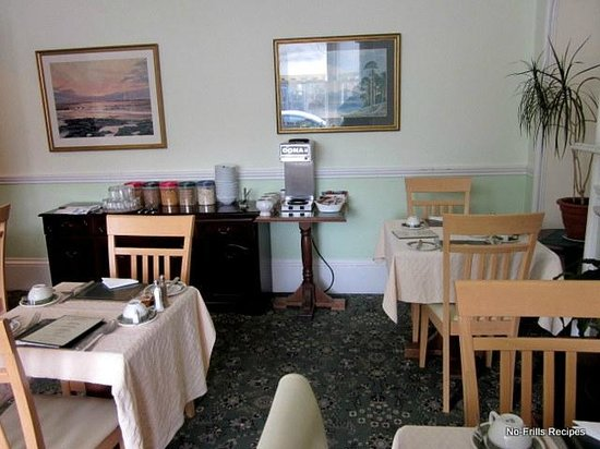 Whin Park Guest House: Breakfast room