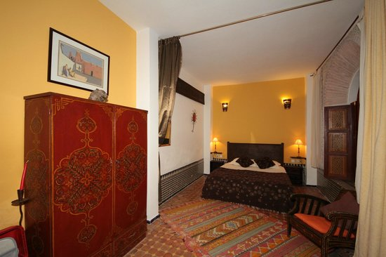 Riad El Ma : Our yellow suite.
