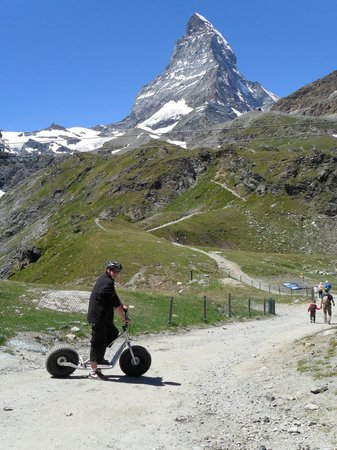 Hinterdorfstrasse: downhill trailscooter