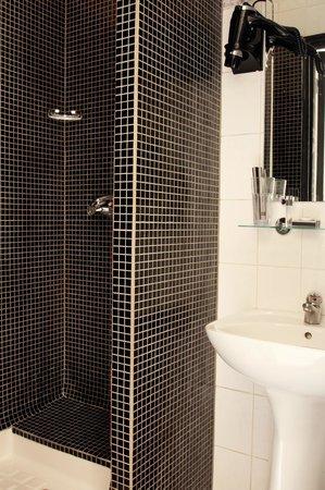 Hotel Le Blason: sanitaire