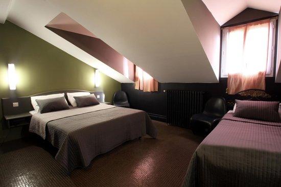 Hotel Le Blason: chambre familiale