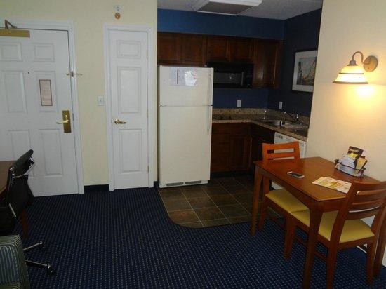 Residence Inn by Marriott Boston Woburn : Cocina dentro del cuarto