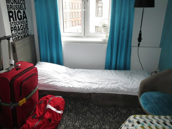 Andersen Boutique Hotel: One Bed Was On The Floor
