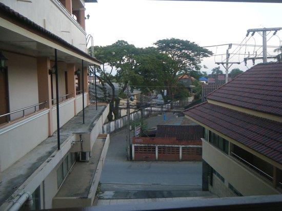 Navy Home Hotel: SunrisesGreat, Interesting area, sounds, sights
