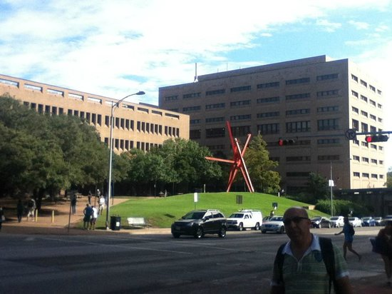 University of Texas at Austin : engineering building