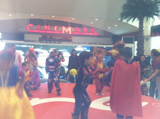 El Tesoro Parque Comercial: Cinemark los teatros para ir a cine