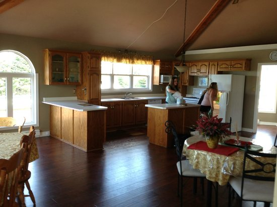 Celtic Rendezvous Cottages: Kitchen