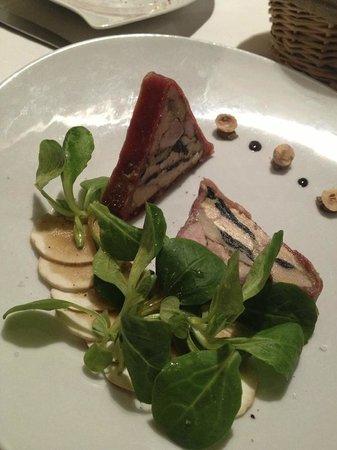 Restaurant Christian Etienne: Lapin de garenne et foie gras
