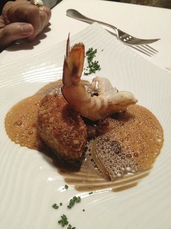Christian Etienne : Rouelle of crispy sausage and chestnuts, roasted prawns