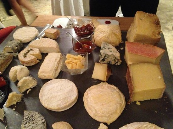 Christian Etienne: wide choice of cheese