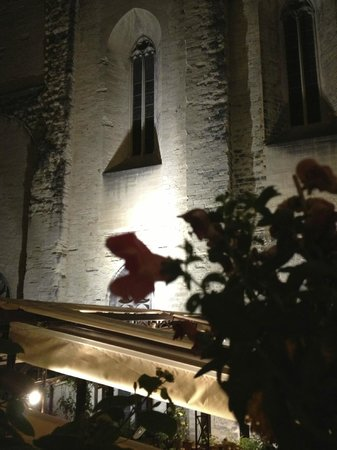Christian Etienne: outside of the restaurant