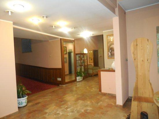 Hotel Country Club: La Hall dell' Hotel