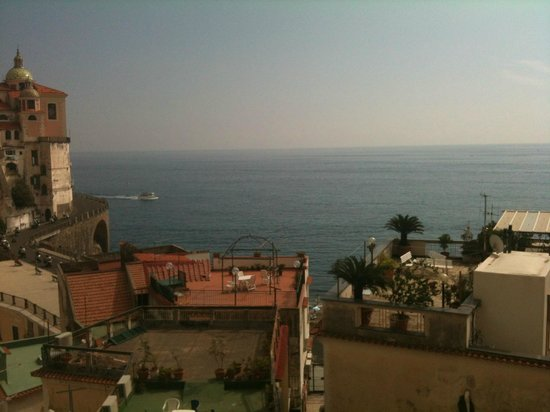 Palazzo Ferraioli : room view