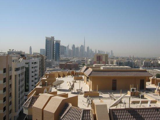 Savoy Central Hotel Apartments: Uitzicht vanaf dakterras