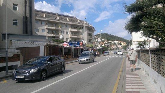 Hotel Sorra Daurada Splash : Граница двух городкок Мальграда и Санта -Суссаны.