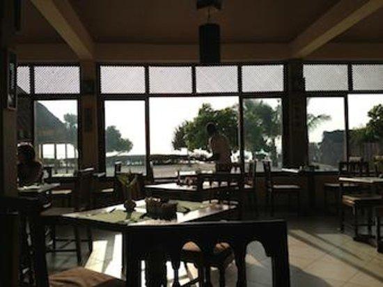 Neptune Pwani Beach Resort & Spa: restauracja z widokiem na plażę