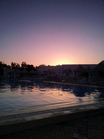 Ramada Liberty Resort Hotel: pool sunset again