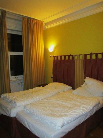 """Hotel Leon D'Oro : camas """"hechas"""""""