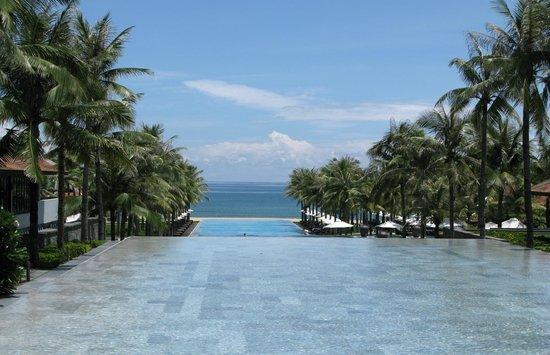 Four Seasons Resort The Nam Hai, Hoi An: Pool at The Nam Hai