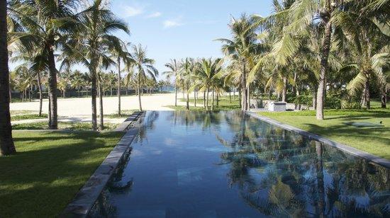 Four Seasons Resort The Nam Hai, Hoi An: Beachfront Villa View