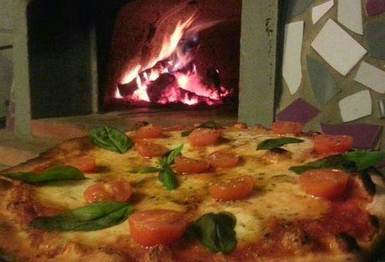 Capriccio Italiano: hummm!! que rica la pizza caprese