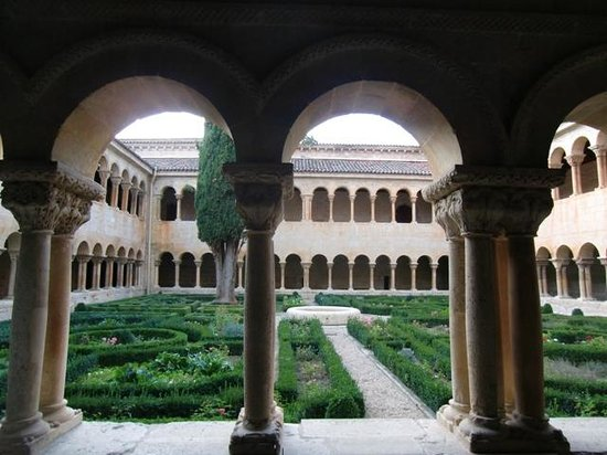 Monastery of Santo Domingo de Silos: Claustro de la abadía de Santo Domingo de Silos