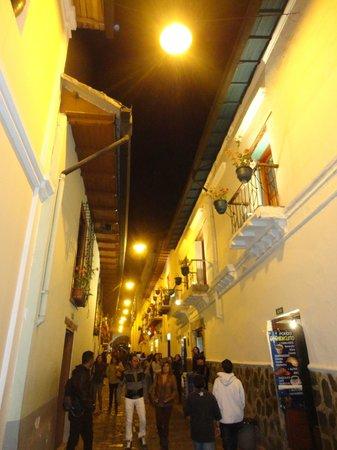 Calle La Ronda: Calle iluminada