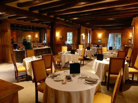 Chateau de Marcay: la salle du petit déjeuner