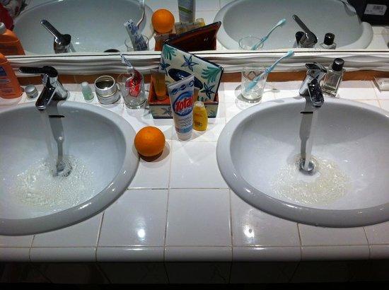 Club Med Da Balaia : l'eau jaune dans les robinets...