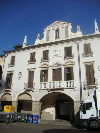 Hotel Padova Casa del Pellegrino: Fachada