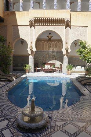 Riad Salam Fes : Espace piscine, petit déjeuner