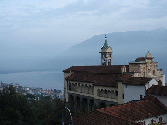 Sacromonte e Santuario Madonna del Sasso : Vista