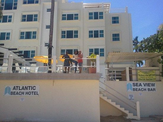 Atlantic Beach Hotel: friends...