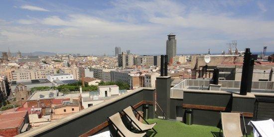 Barcelona Universal Hotel: Зона отдыха на крыше (солярий)