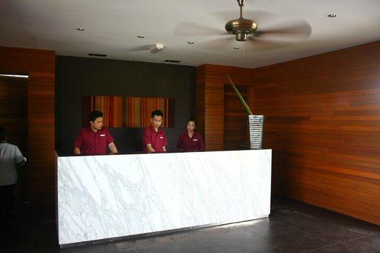 Nexus Resort & Spa Karambunai : VILLA區接待處