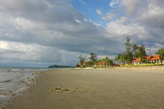 Nexus Resort & Spa Karambunai : VILLA區沙灘