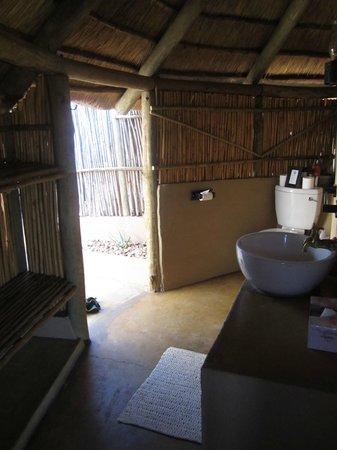 Umlani Bushcamp : bathroom