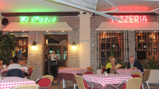 El Patio Plaza: The wonderful El Patio -Nerja Andalucia
