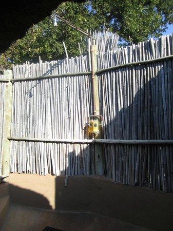 Umlani Bushcamp : outdoor shower