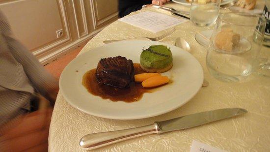 Chateau de Rochecotte: Main Course Dinner