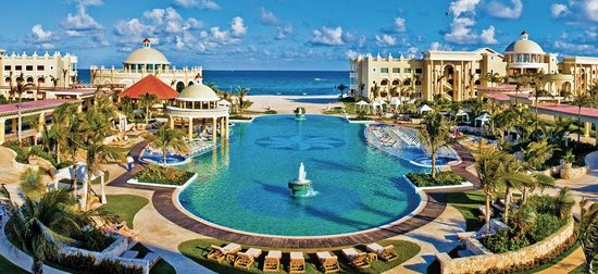Iberostar Grand Hotel Paraiso : Pool view