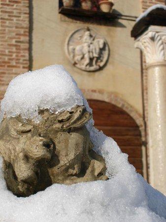 Ra-Ma snc: Putto sotto la Neve all'ingresso degli Uffici