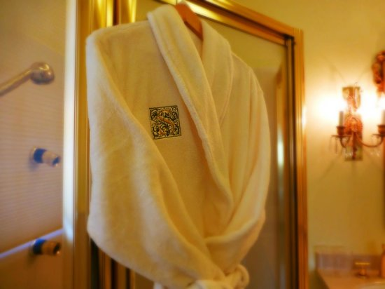 The Inn at Solvang: Cozy robes