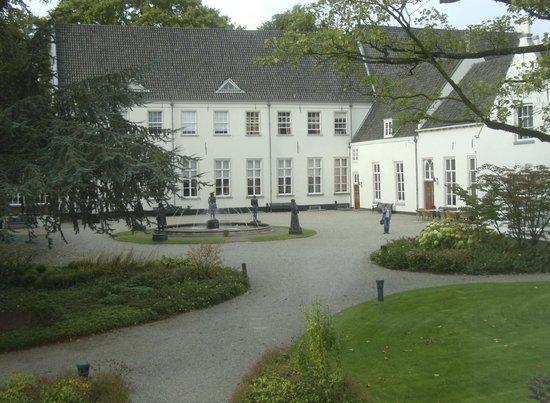 Grand Hotel Karel V Utrecht: Jardín
