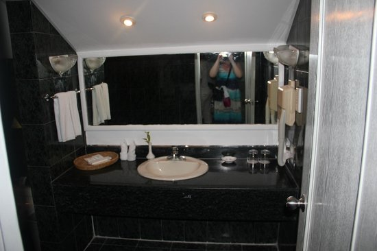 Palm Beach Resort & Spa Sanya: ванна в 2хэтажном номере