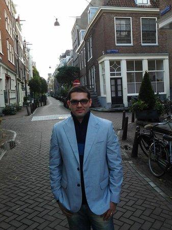 Mercure Hotel Amsterdam City: em frente ao hotel