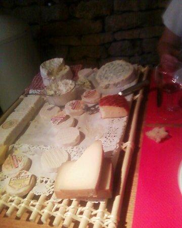 Auberge de la grange du Cros : vue sur la plateau de fromages