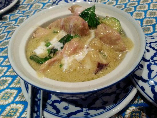 Benjawan Thai Cuisine: Chicken Green Curry